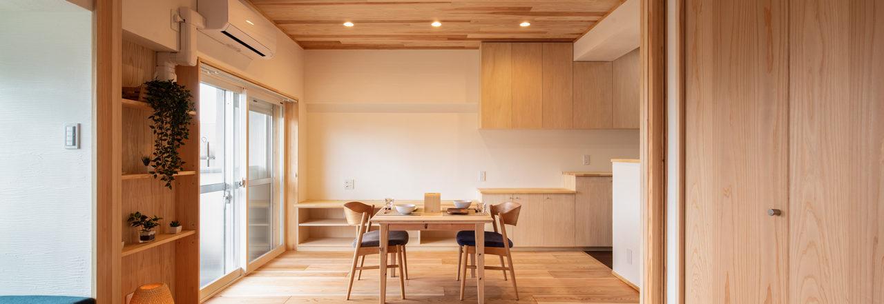 造作家具やソファで楽しむ家
